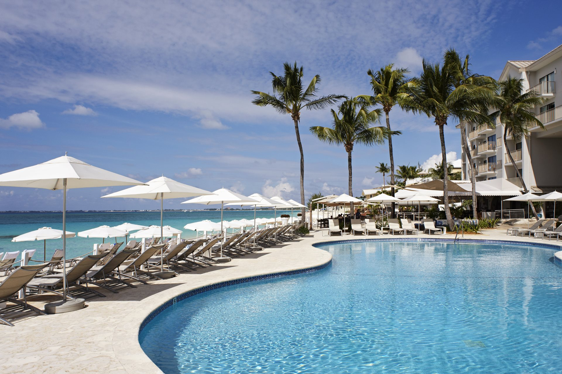 Revel in relaxation and feel right at home at this resort, located on the scenic Seven Mile Beach.